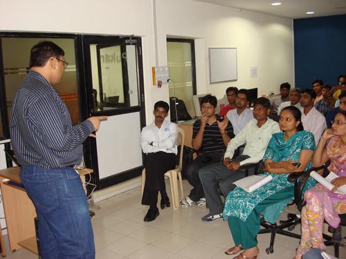 SQLAuthority News - Gandhinagar SQL Server User Group Meeting April 24, 2009 DSC04005