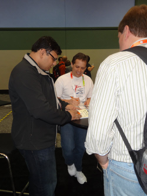 SQLAuthority News - Book Signing Event - SQLPASS 2011 Event Log booksign7