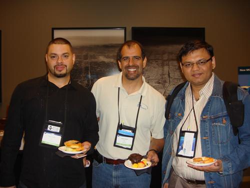 SQLAuthority News - MVP Summit 2009 - Day 2 - Most Contributing MVP of Year DSC03552