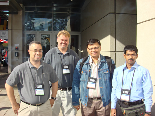 SQLAuthority News - MVP Summit 2009 - Day 2 - Most Contributing MVP of Year DSC03555