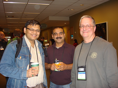 SQLAuthority News - MVP Summit 2009 - Day 2 - Most Contributing MVP of Year DSC03588