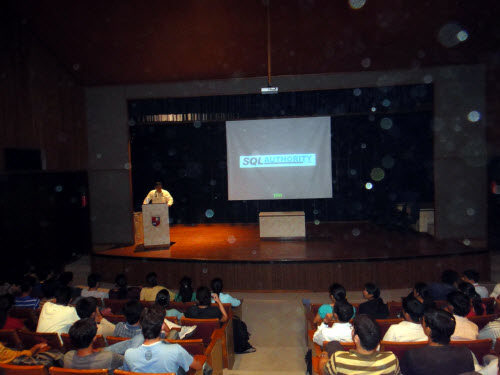 SQL SERVER - Visiting Alma Mater - Delivering Session on Database Performance and Career - Nirma Institute of Technology Nirma (4)