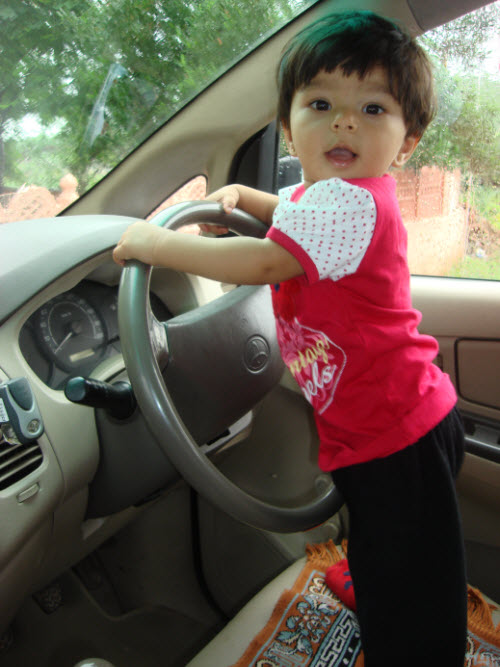 SQLAuthority News - Fathers and Daughters Shaivi-Car