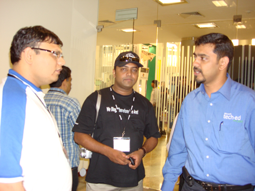SQLAuthority News - TechEd India 2009 - Day 3 - Product Group Meeting - Final Presentations - Meeting Friends DSC04171
