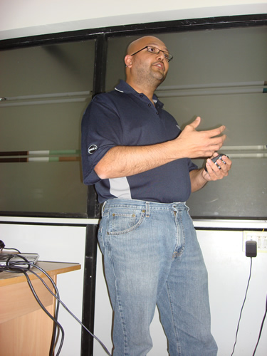 SQLAuthority News - SQL Server Energy Event with Rushabh Mehta - May 20, 2009 DSC04861