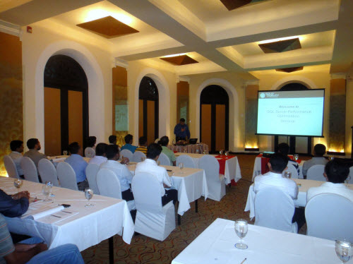 SQLAuthority News - SQL Server Performance Optimizations Seminar - Grand Success - Colombo, Sri Lanka - Oct 4 - 5, 2010 SriLankaSeminar (3)