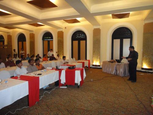SQLAuthority News - SQL Server Performance Optimizations Seminar - Grand Success - Colombo, Sri Lanka - Oct 4 - 5,2010 SriLankaSeminar (6)